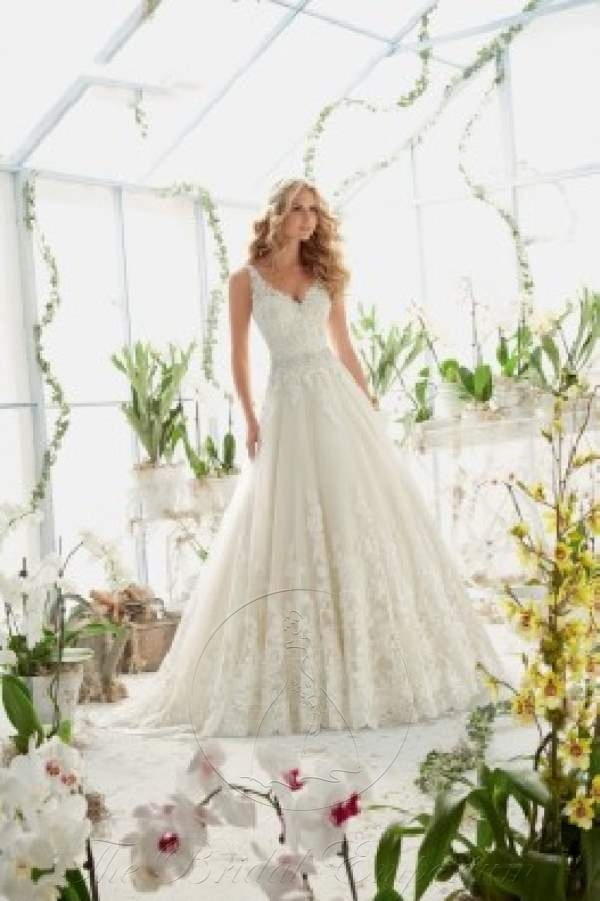 Classic tulle and Crystal Beaded Wedding Dress